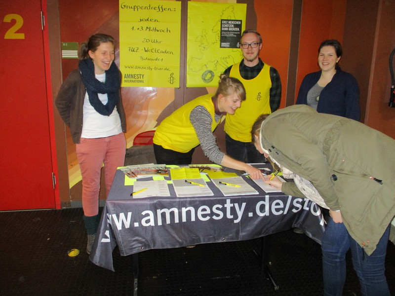 Stand zum Vortrag und Ausstellung zum Thema Fluchtrouten an der Uni Trier 2016